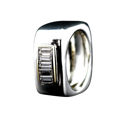 Circle in a Square Diamond Ring Design