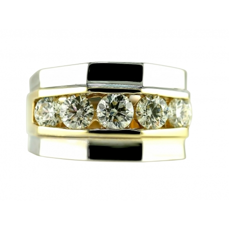 Graduated Diamonds Channel Set Ring Design