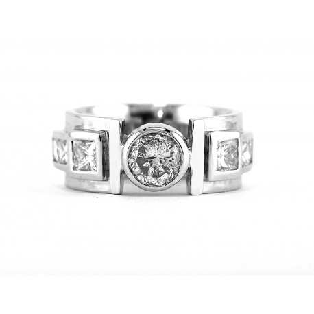 Opulent Solitaire Ring