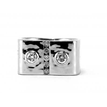 Grand Diamond Band Ring